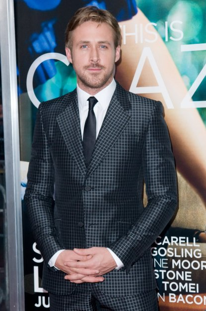 light-grey-suit-ryan-goslingryan-gosling-black-grey-suit-white-shirt-tie-beard-photo-posh24-rh9gwtdk